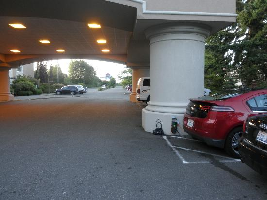 Four Points by Sheraton Bellingham Hotel & Conference Center: Hotel entrance