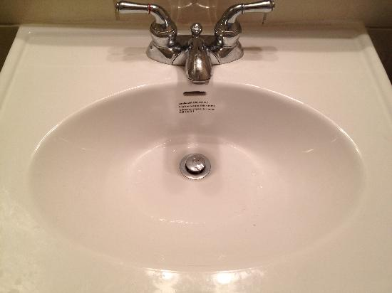 Swiss Cottage Inns: Bathroom Sink
