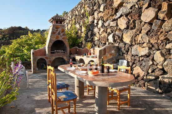Hacienda El Rancho: barbecue