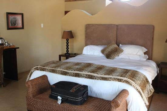 Pilanesberg Private Lodge: Inside of the chalet