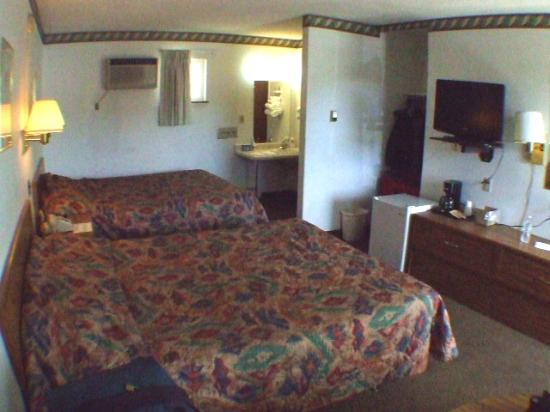 A Western Rose Motel: 1. Room