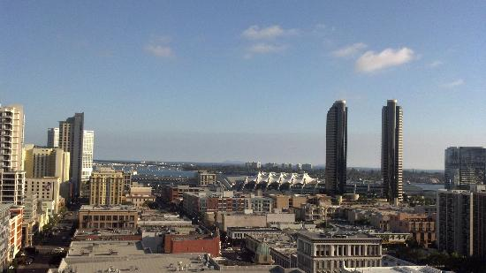Ramada Gaslamp Convention Center: View from Roof Deck