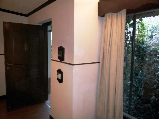 Shervani Hilltop: Deluxe room