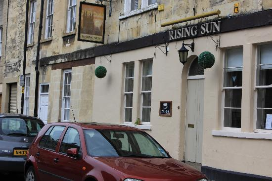 The Rising Sun Inn : Hotel Entrance