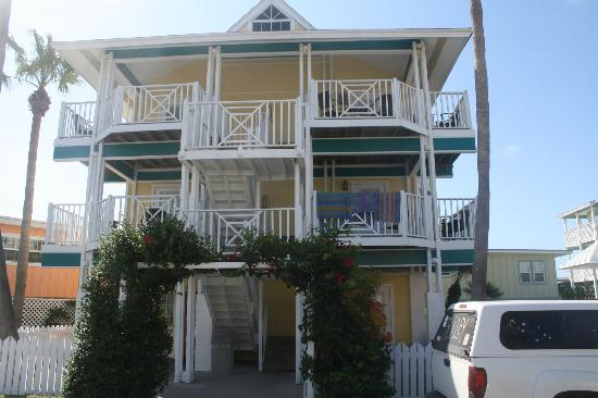 The Cottages at Seashell Village: Second floor left Loved it!!