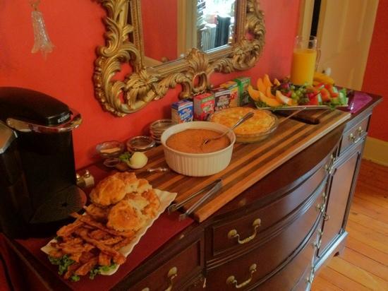 The Barnwell Inn: yummy breakfast !