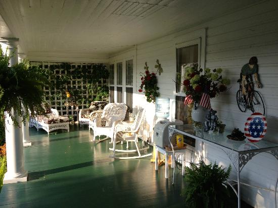 The Doctor's Inn: One of the best porches in America!