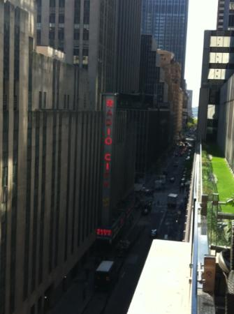 Club Quarters Hotel, opposite Rockefeller Center: vista dalla camera (24^ piano)