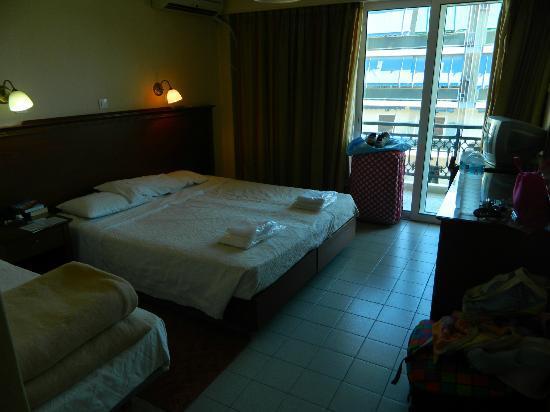 Apollo Hotel: our room