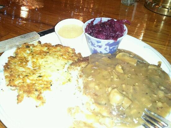 The Tumwater Inn Restaurant: Jager schnitzel with potato pancake.
