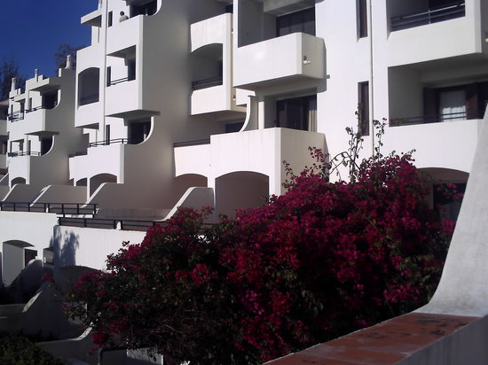 Tunnel street picture of albufeira jardim apartamentos for Albufeira jardin
