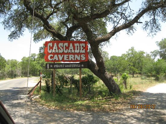Cascade Caverns: The entrance to the attraction