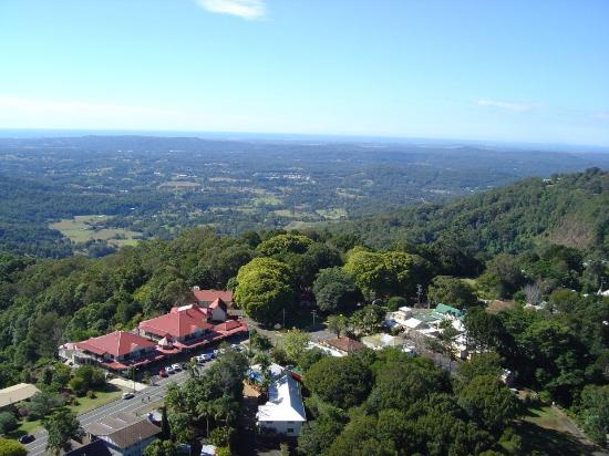 Montville Mountain Inn Resort: Ariel view of Montville