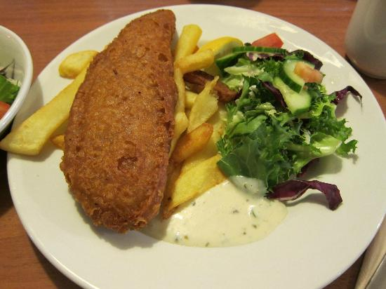Ibis London Heathrow Airport: fish and chips