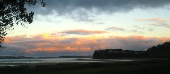 Orewa Beach Top 10 Holiday Park : Sunsetting