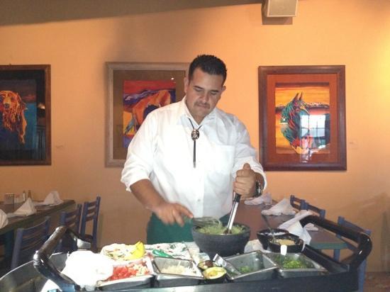 Gabriel's : preparing guacamole tableside