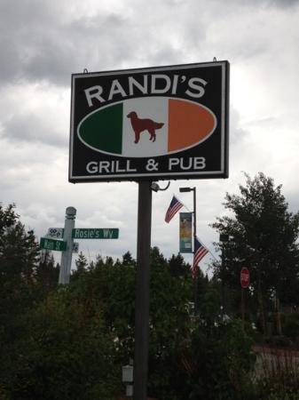 Randi's Irish Grill & Pub: good grub