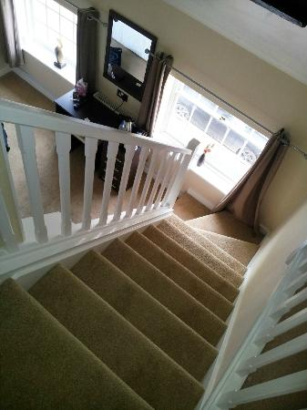 The Silverton Inn : stairs from en-suite