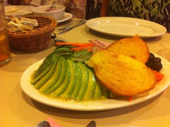 George's Seafood Company : the avocado salad