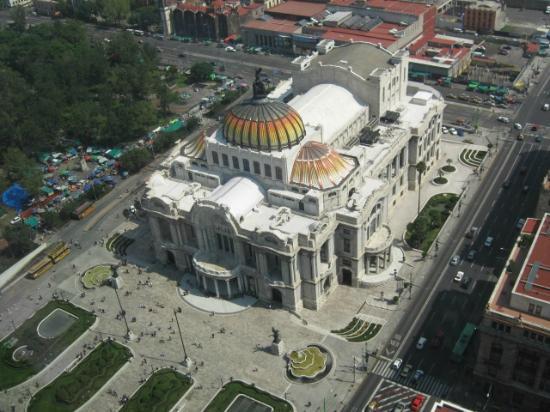 Hotel Casa Blanca Mexico City: Palacio de Bellas Artes, a poca distancia del Hotel Casa Blanca DF