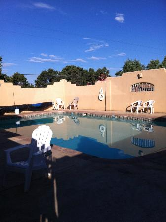 Rancheros de Santa Fe Campground: Pool area