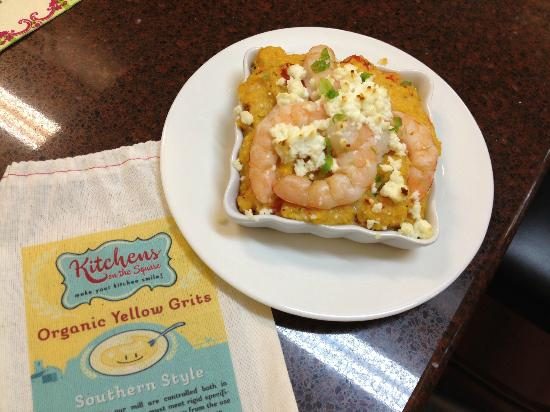 Kitchens on the Square : Adrienne's Shrimp n' Grits with Roasted Red Peppers & Goat Cheese. Yum!