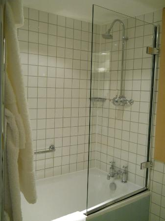 Andaz London Liverpool Street: Possessed Shower in 558