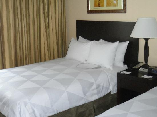 Radisson Suites Hotel Buena Park: Bedroom