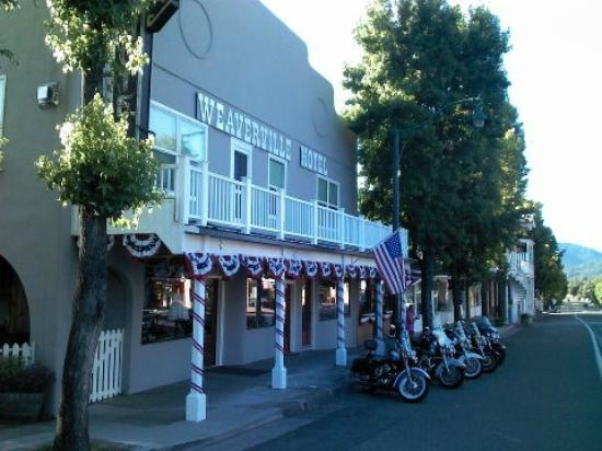 Weaverville Hotel & Emporium: July 4, 2012