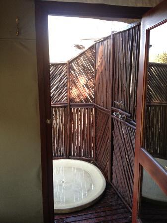 Hamiltons Tented Safari Camp: Outdoor Shower