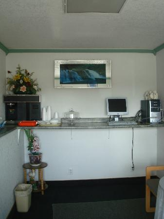 Desert Inn: Office Area