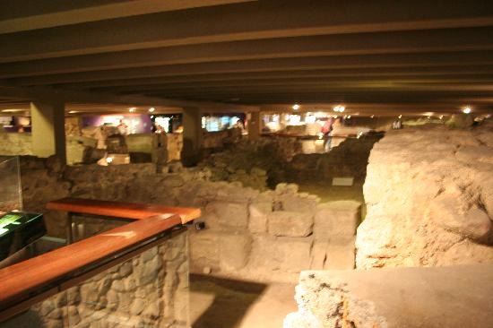 Archeological Crypt of the Parvis of Notre-Dame: This is what you will see