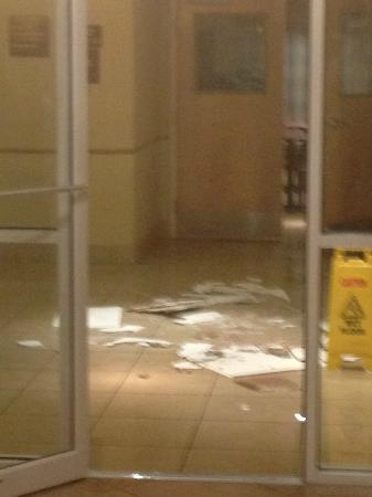 Sleep Inn & Suites Ocala - Belleview: Debris from ceiling tiles with water on floor