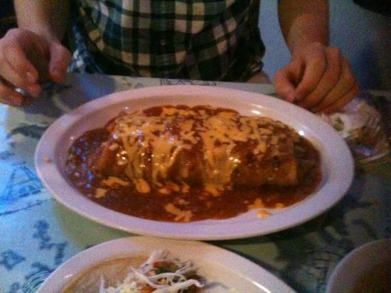 Cap'n Roy's: Huge Burrito!