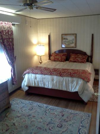 Bed and Breakfast Turtle Street: Extended Stay Master Bedroom