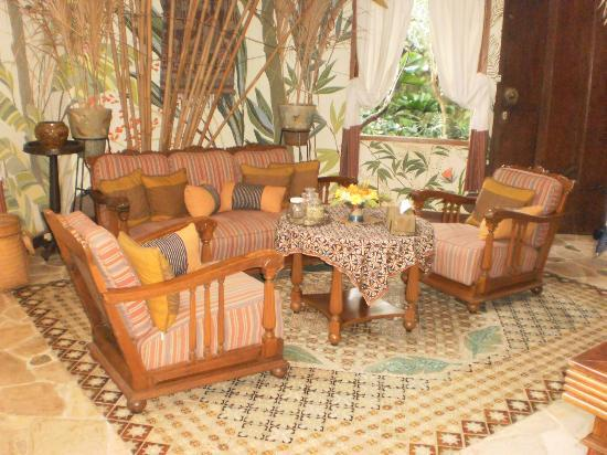 Widayanto Ceramic House: Rumah Contoh Interior