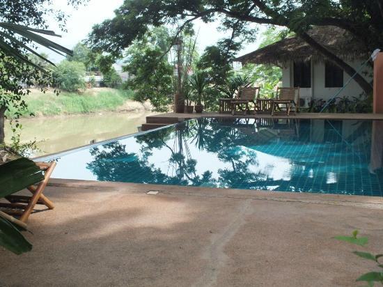 Baan Nam Ping Riverside Village: the pool