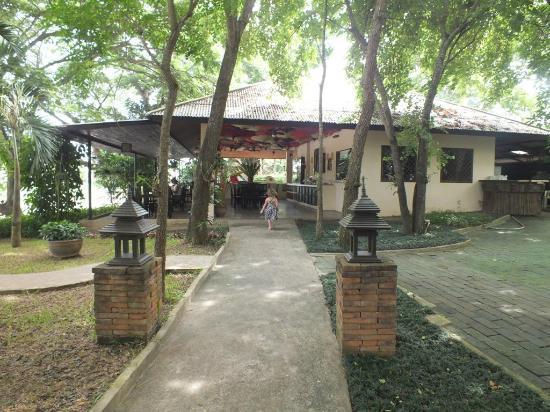 Baan Nam Ping Riverside Village: Where we ate