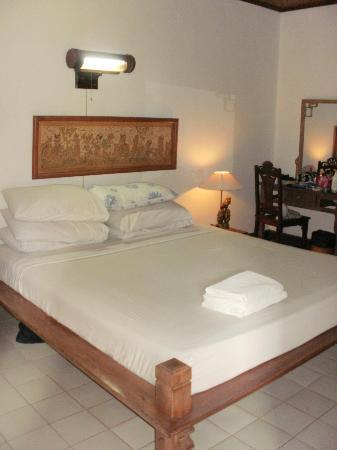 Balisani Padma: Massive Bed