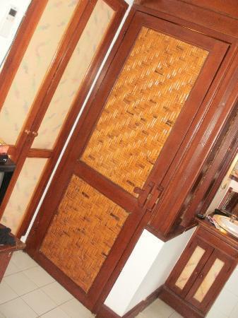 Balisani Padma: Tiny Toilet