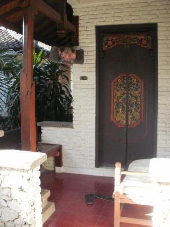 Balisani Padma: Romm Entrance