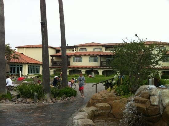 Embassy Suites by Hilton Mandalay Beach Resort: garden rooms