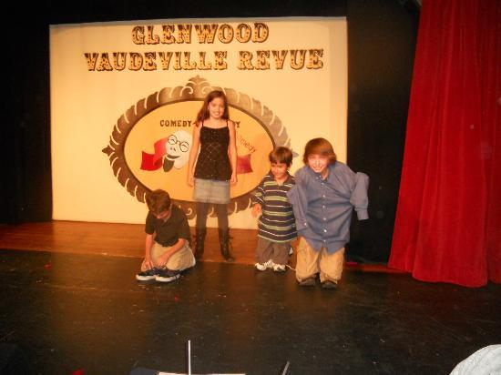 Glenwood Vaudeville Revue: Family Friendly