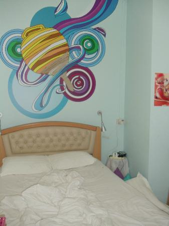 Five Stones Hostel: Our room!