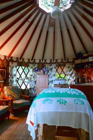 Luana Spa Retreat: World's Most Charming Massage Urt!