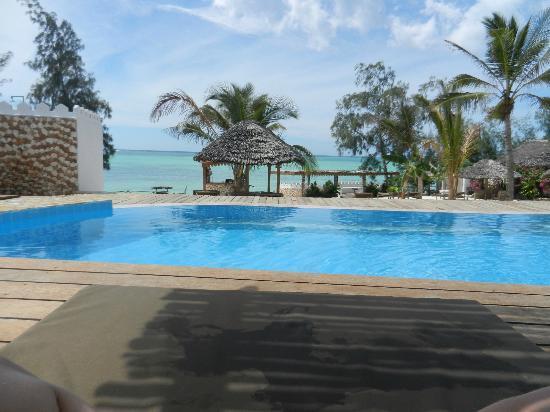 Seasons Lodge Zanzibar : Pool area