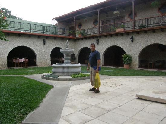 Hotel Del Patio: patio