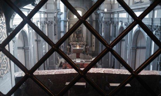 Church of Santa Felicita: INTERNO DELLA CHIESA DAL CORRIDOIO VASARIANO
