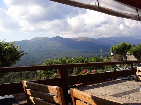 Vue terrasse photo de auberge du sanglier zonza for Vue terrasse