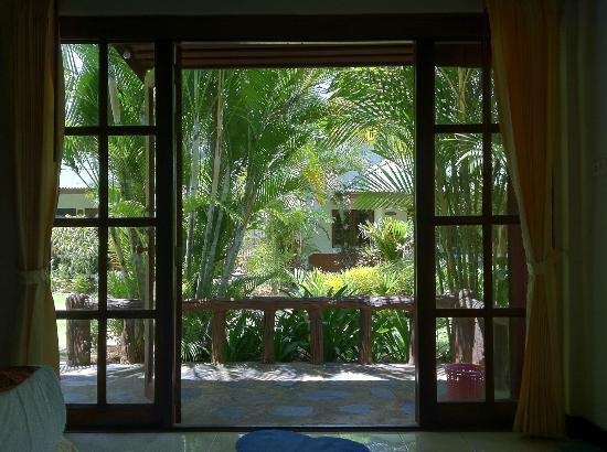 Vipa Tropical Resort: Vue depuis notre chambre